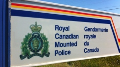 hi-rcmp-sign-201207